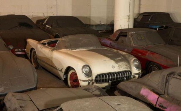 corvette_garage_01-620x379