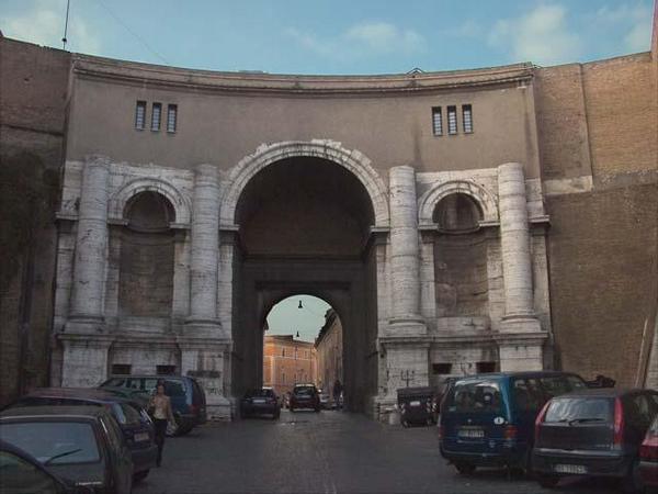 вороты и стены ватикана